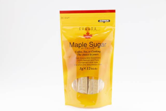 カナダ・ケベック州産のメープルシロップを煮詰めて粉末状にした「メープルシュガー スティック」