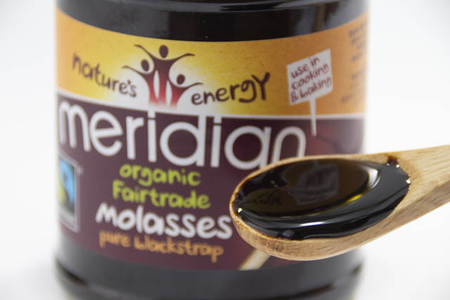 鉄分に富んだ甘味料 英国「MERIDIAN」の有機モラセス【ピュアブラックストラップ】