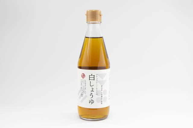自然栽培の小麦と大豆、そして蔵に棲みつく麹菌を採取して醸造した白醤油「ナチュラル・ハーモニーの白しょうゆ」
